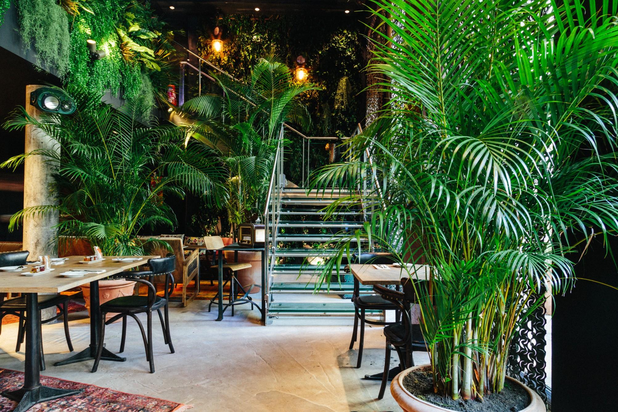 kube hotel paris évasion escapade staycation nuit diner room service