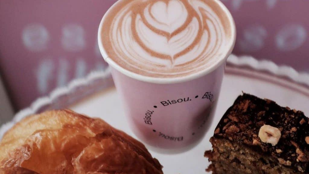 bisou paris café coffee shop pâtisseries à emporter bar