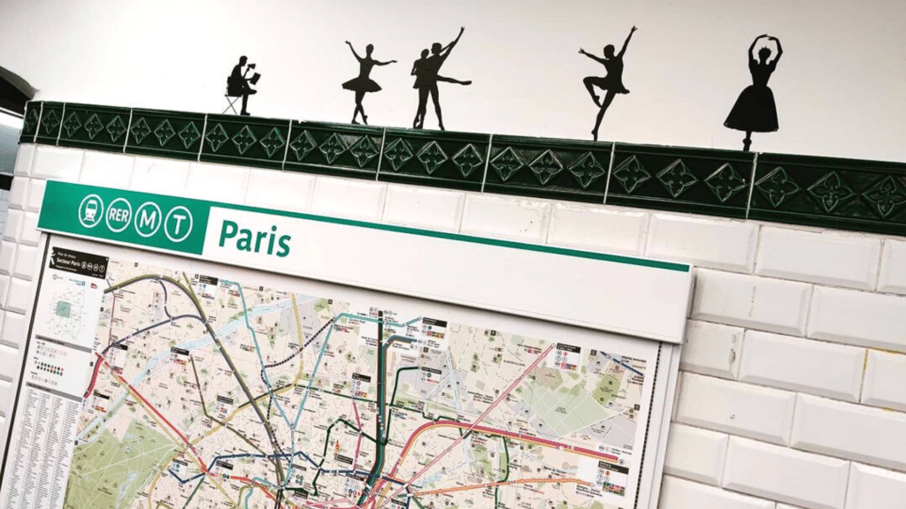 Ratp 1000 silhouettes métro Opéra Paris Opéra national de Paris parcours visuel sonore