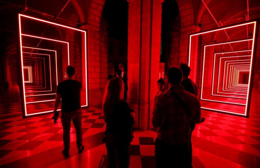 « Heureux soient les fêlés car ils laisseront passer la lumière » la nouvelle expo immersive de la Gaité Lyrique !