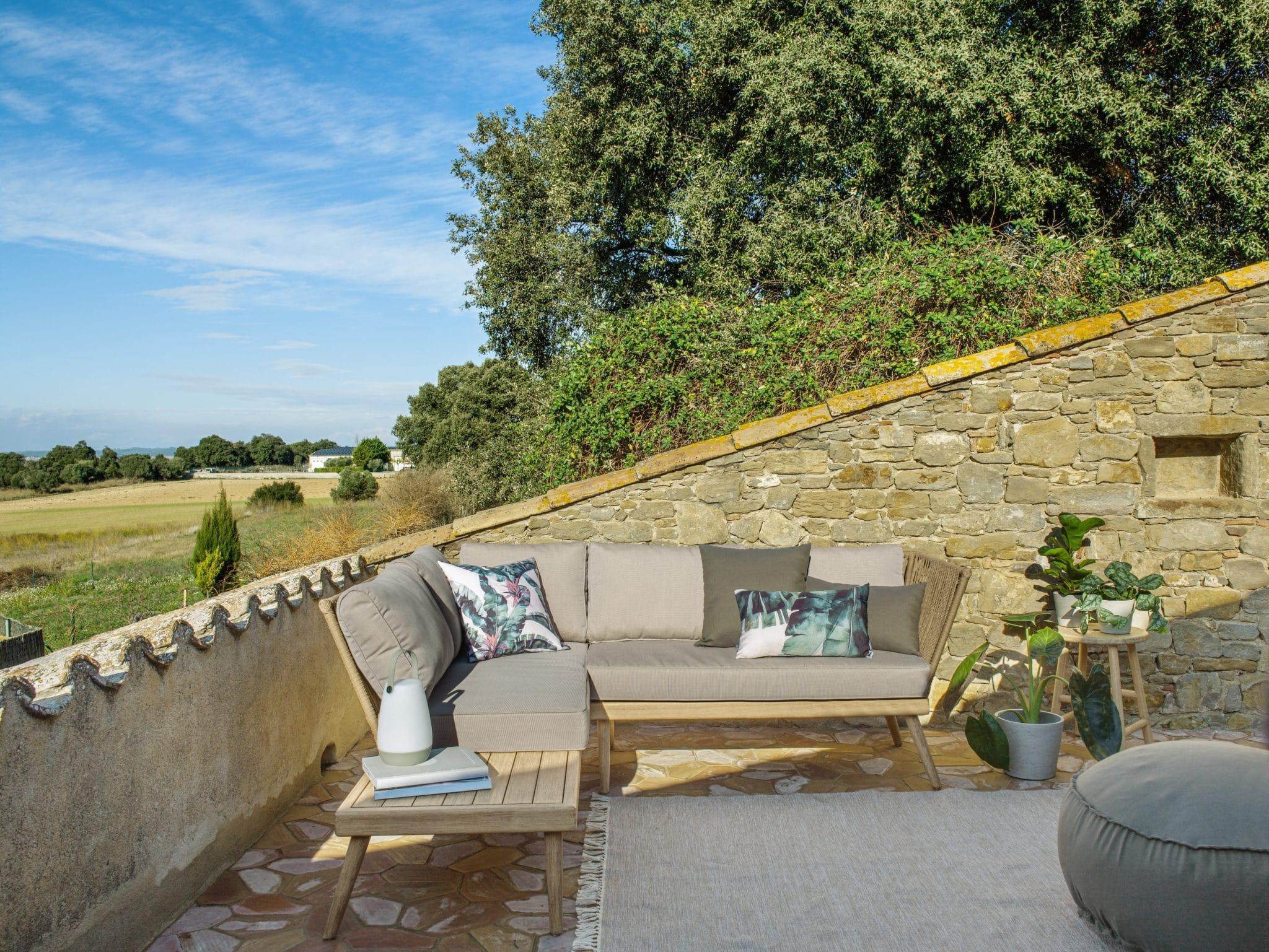 kave home collection weekend in provence maison décoration jardin extérieur terrasses balcon soleil 1