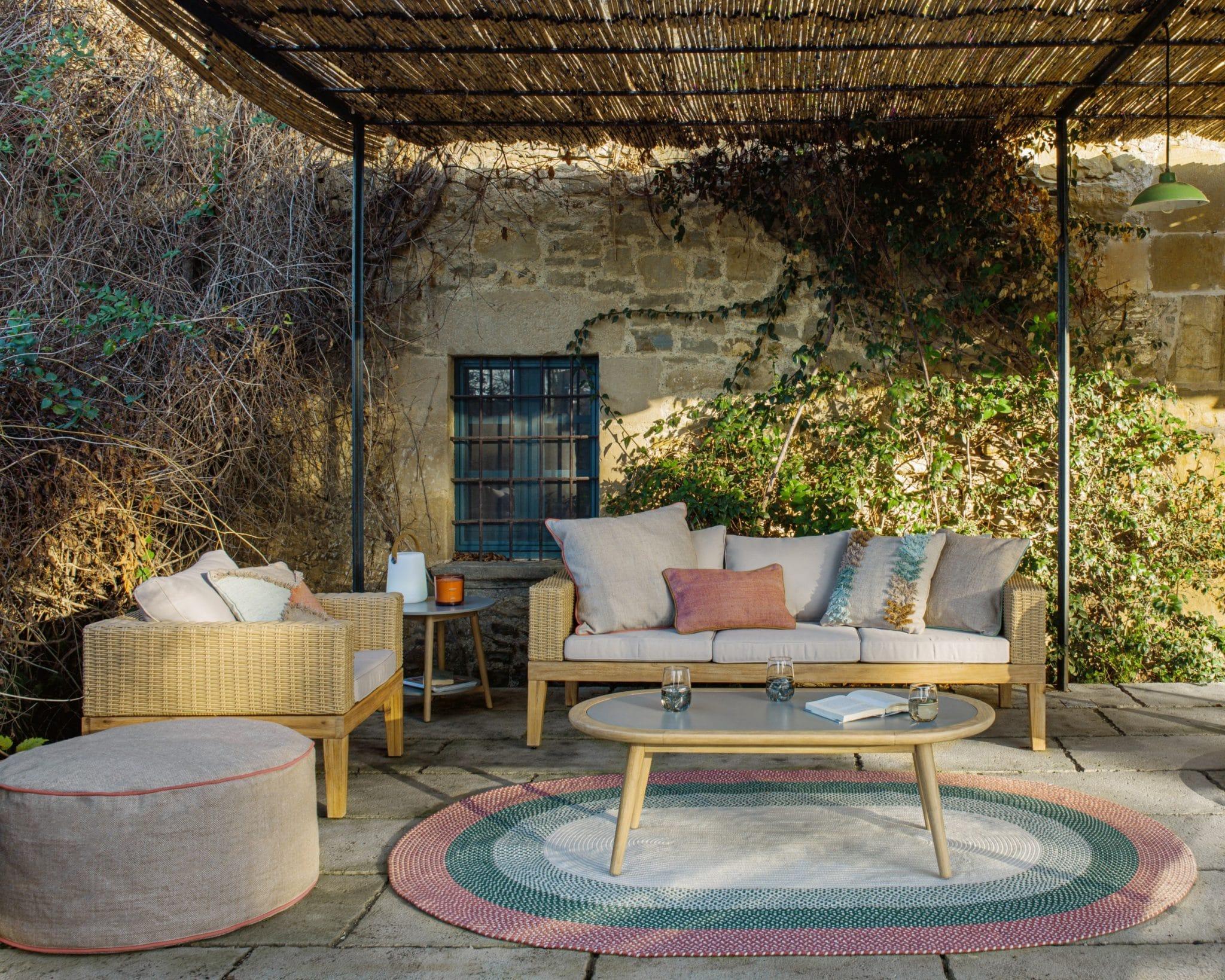 kave home collection weekend in provence maison décoration jardin extérieur terrasses balcon soleil