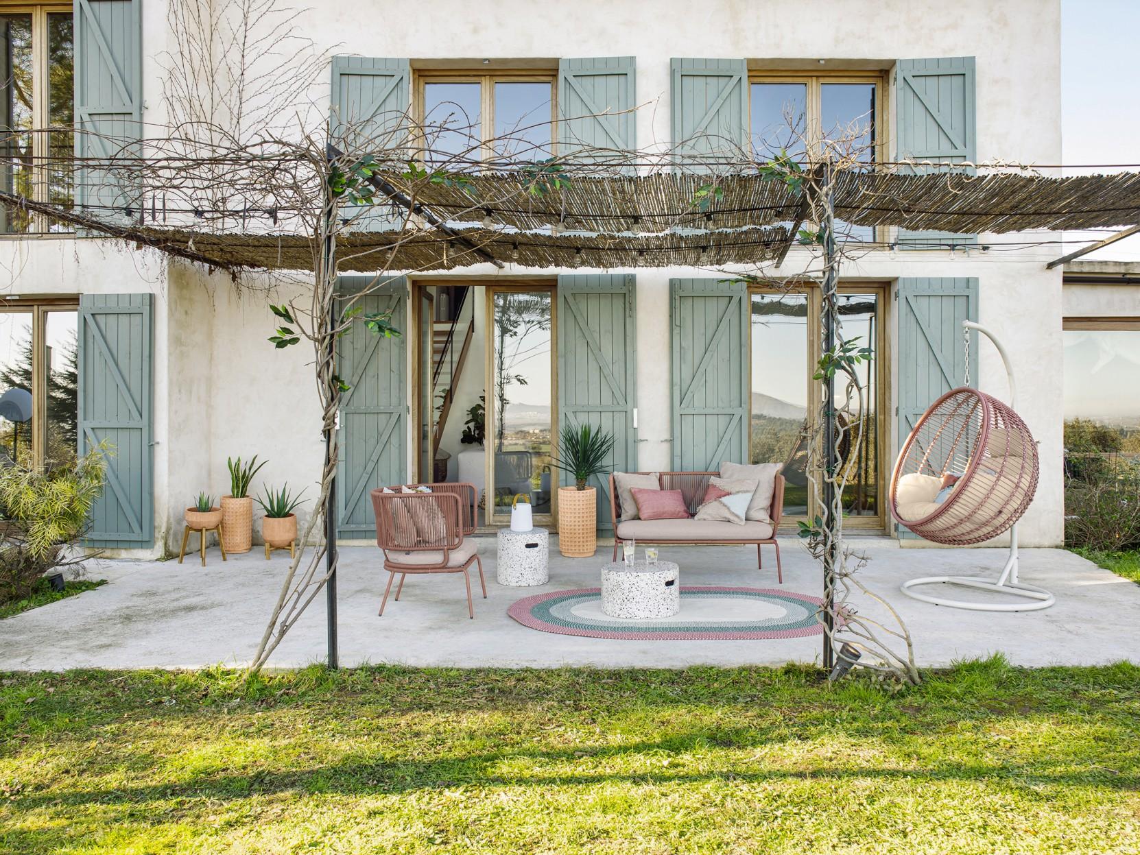 kave home collection all about terracotta terre cuite argile maison décoration jardin extérieur terrasses balcon soleil