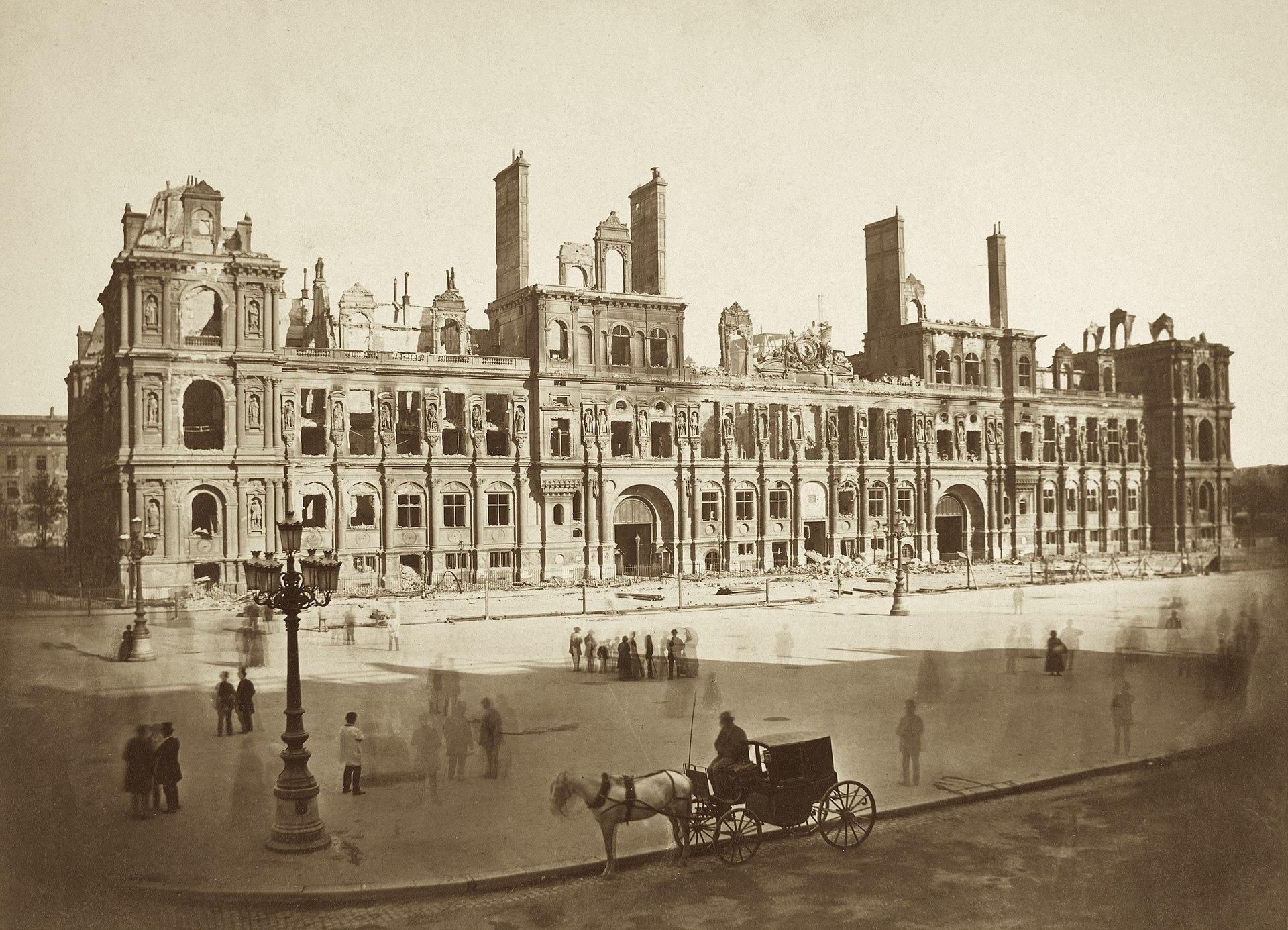 hotel de ville place parvis de la grève paris histoire secrets commune