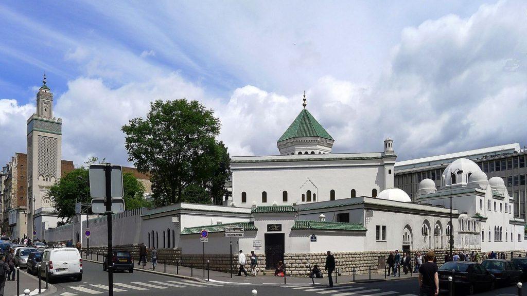Solidarité : La Grande Mosquée de Paris offre des sandwiches gratuits aux étudiants en difficulté !