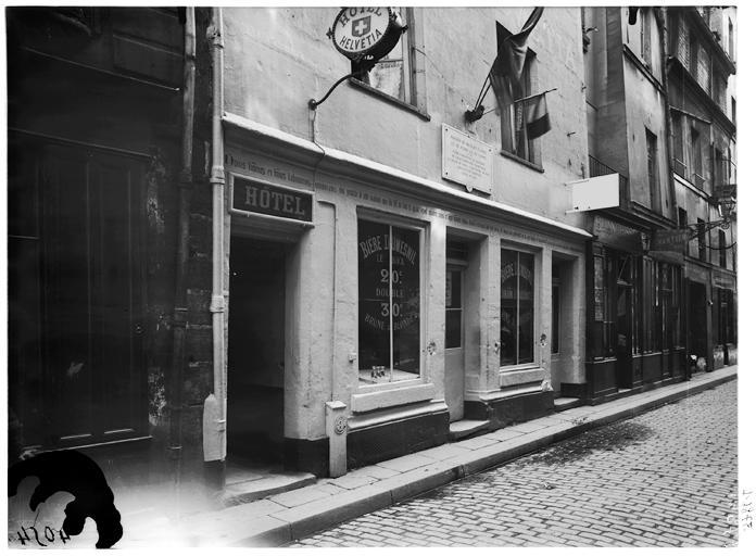 Maison_dite_de_Nicolas_Flamel_-_Façade_sur_rue_-_Paris_03_-_Médiathèque_de_l'architecture_et_du_patrimoine