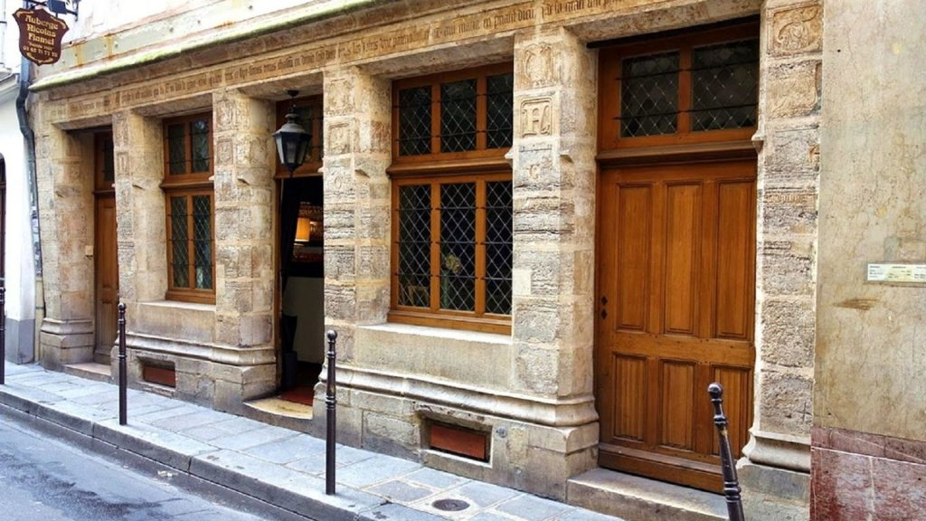 plus ancienne maison de paris vieille nicolas flamel histoire patrimoine insolite