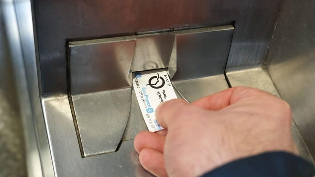 tickets de métro paris fin rechargement mobile smartphone