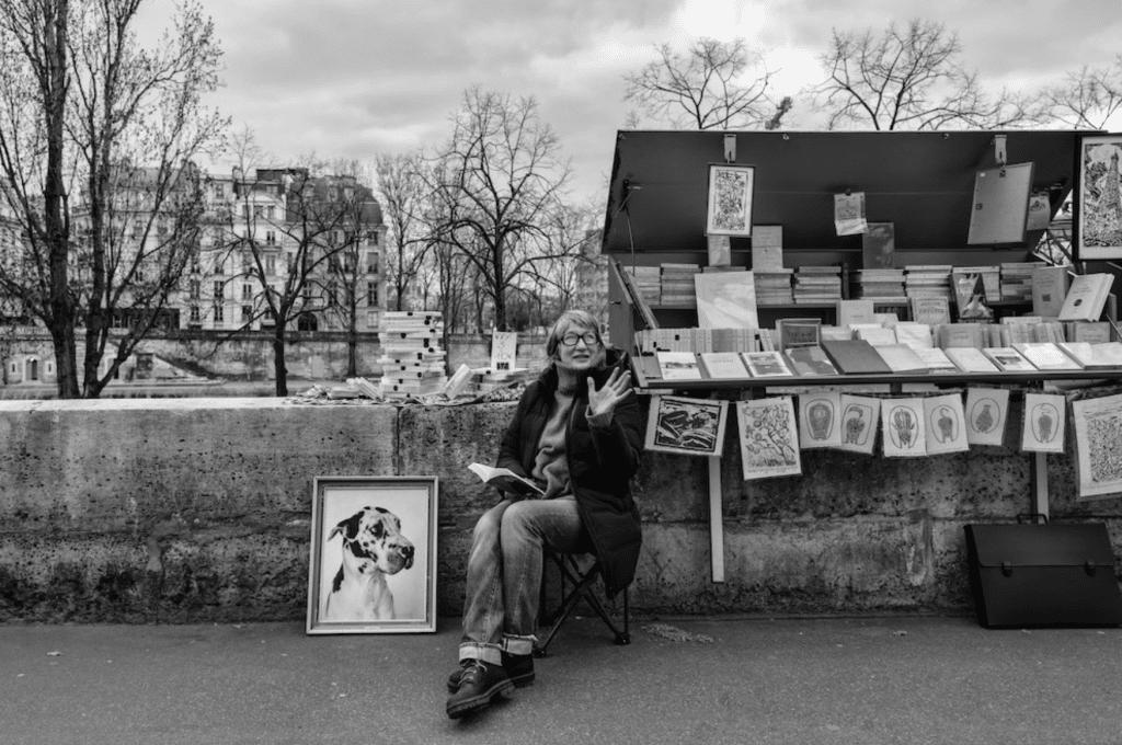 """""""Parisiennes"""" nouvelle expo photo en plein-air Nikos Aliagas Paris avril 2021"""