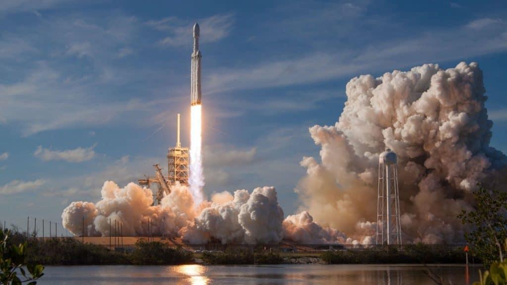 spacex décollage lancement thomas pesquet suivre en direct regarder comment espace iss station spatiale internationale