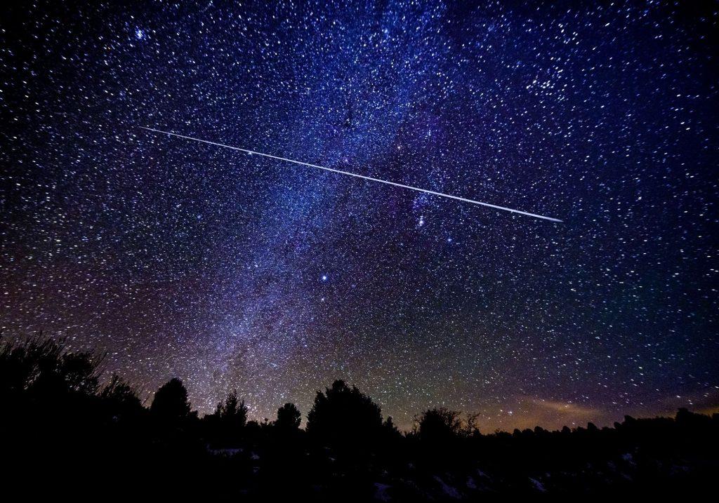 Pluie d'étoiles filantes 21 22 avril 2021 nuit