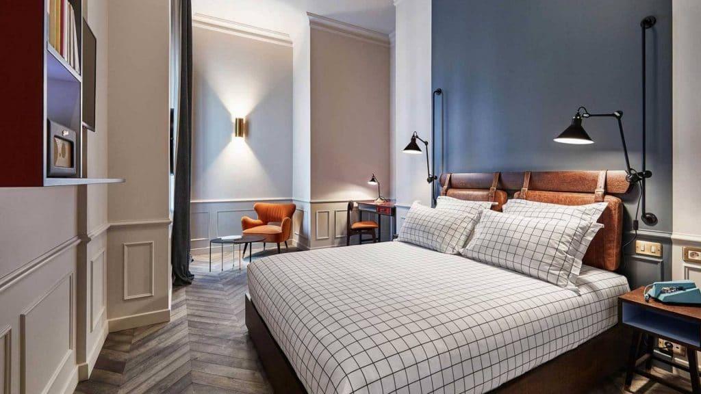 the hoxton hotel paris student room chambre étudiante un euro 1€ solidarité