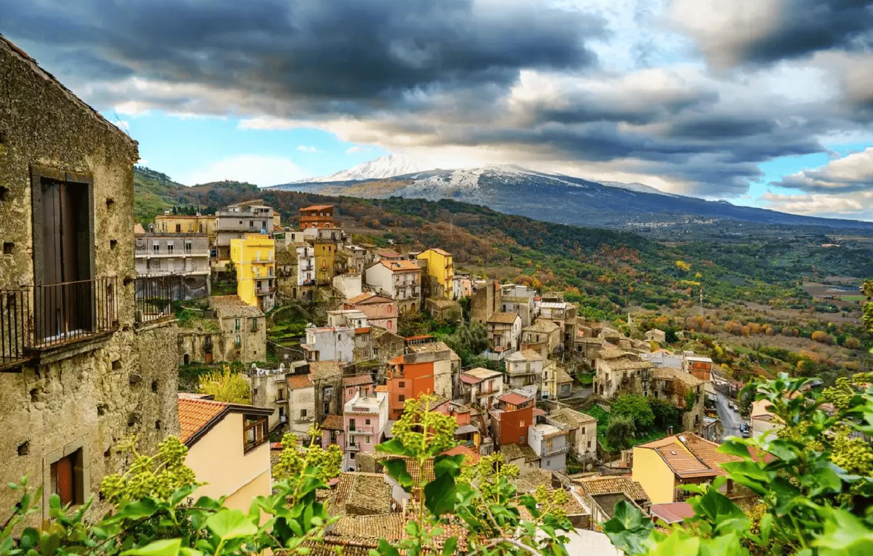 village italien maison un euro 1€ sicile etna castiglione di sicilia