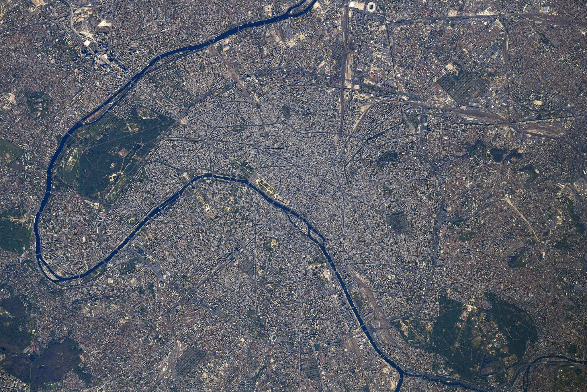 photo satellite paris espace thomas pesquet