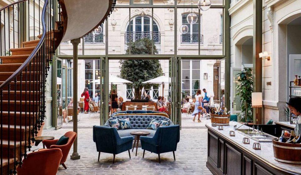 Les plus belles terrasses couvertes de Paris où boire un verre sous la pluie !