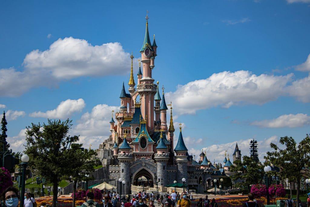 disneyland paris réouverture été 2021 17 juin parc d'attraction