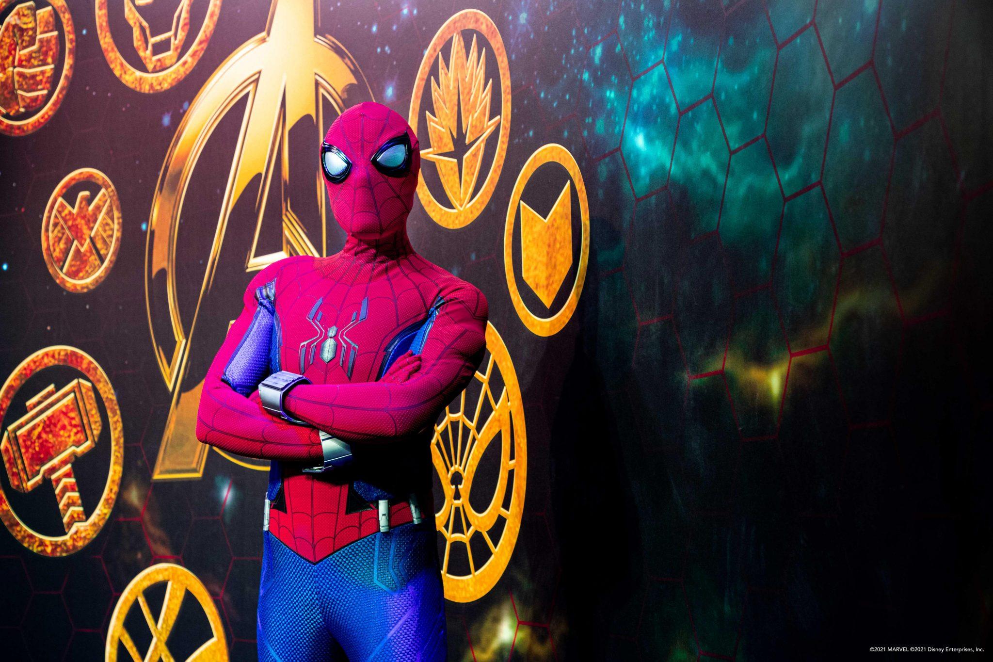 disney hotel new york art of marvel paris images disneyland réouverture spiderman