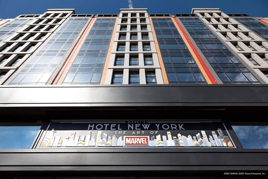 disney hotel new york art of marvel paris images disneyland réouverture façade