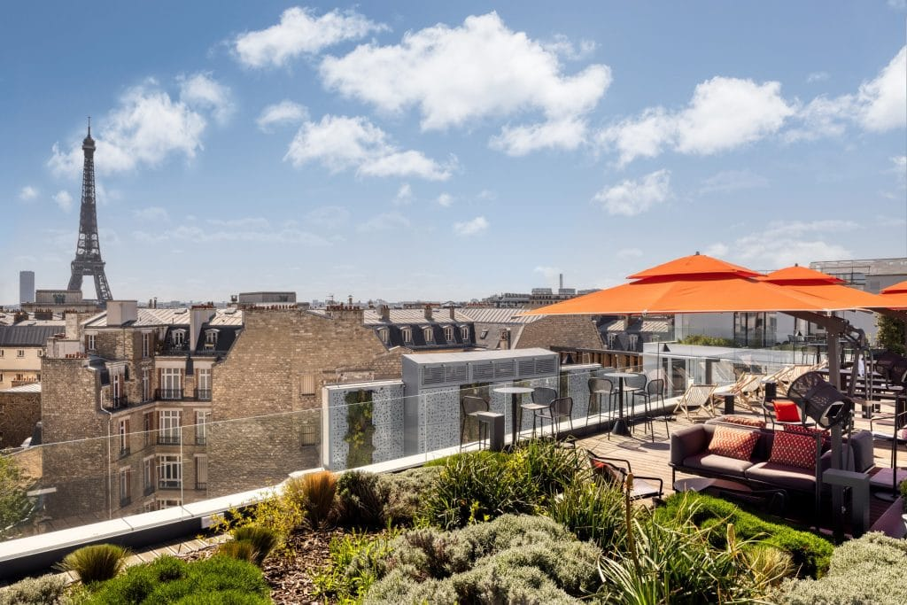 Canopy by Hilton Trocadéro nouveau rooftop vue sur la Tour Eiffel Paris 2021