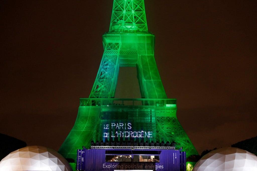 FRANCE-ENERGY-EIFFEL-TOWER