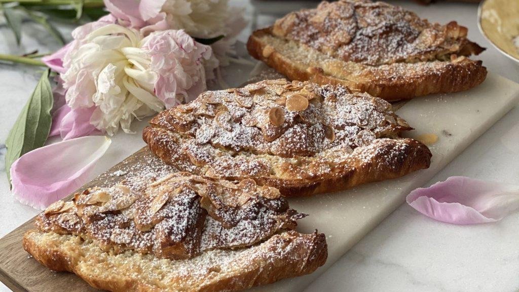 recette croissants aux amandes paris secret patisserie cheffe bakemetoparis instagram