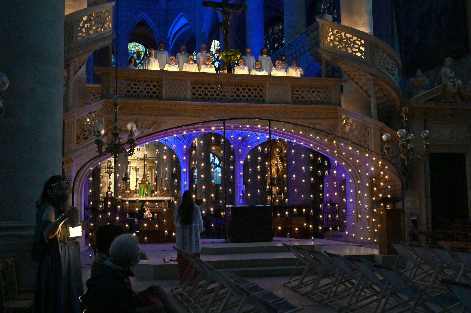 bougies église saint etienne du mont paris visite nocturne sainte genevieve histoire 1