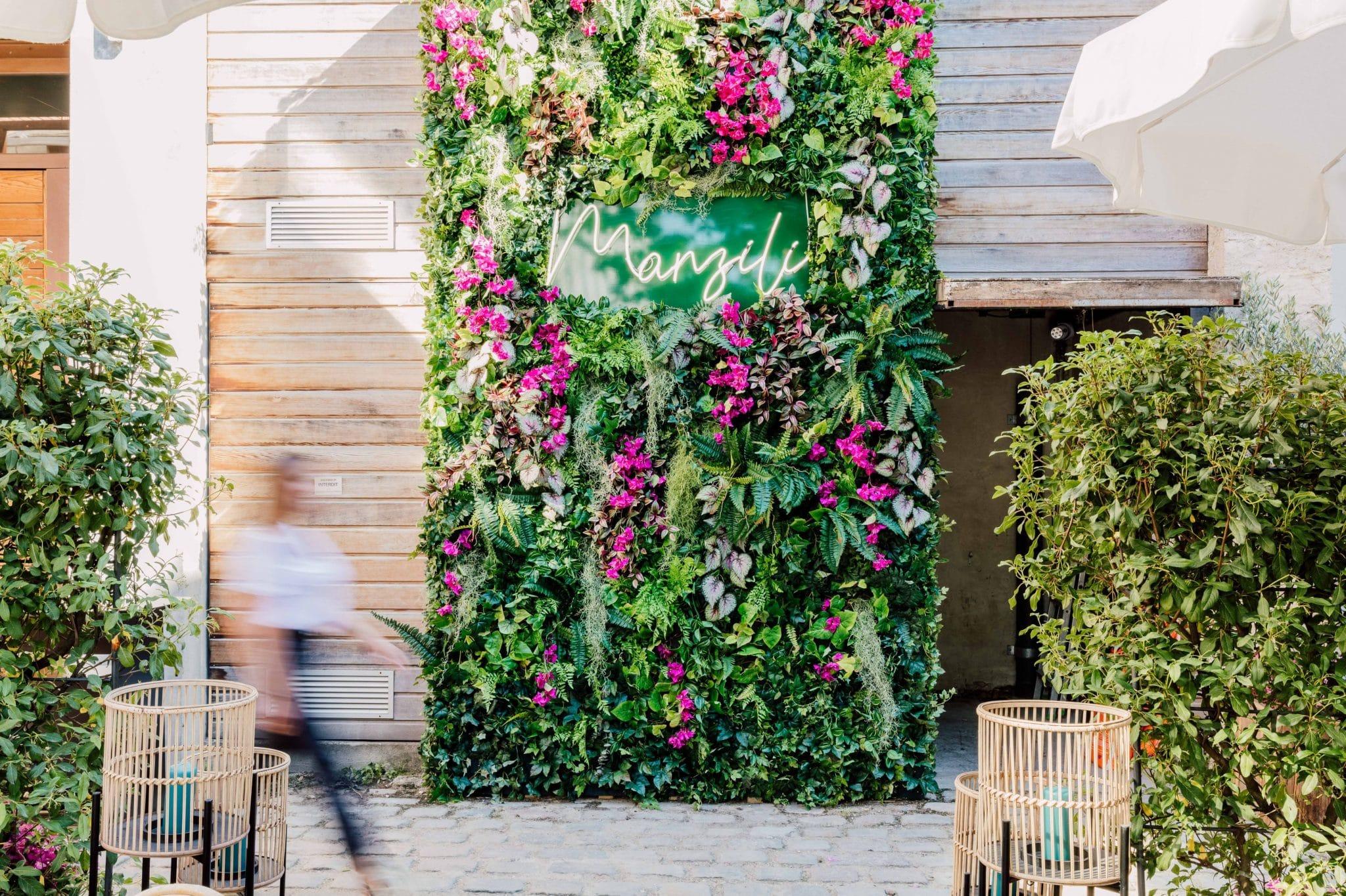 manzili mur floral végétal restaurant éphémère paris terrasse top chef mohammed cheikh