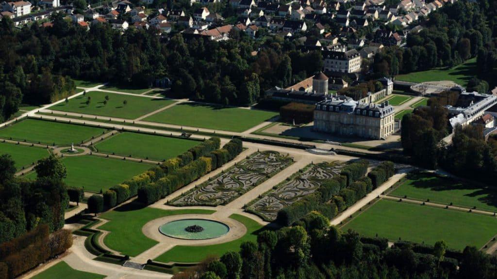 Il est à nouveau possible de visiter le magnifique château de Champs-sur-Marne !