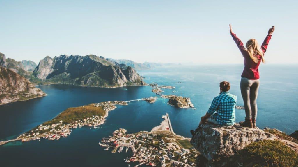 airbnb expérience voyage gratuit tour du monde logement job de rêve