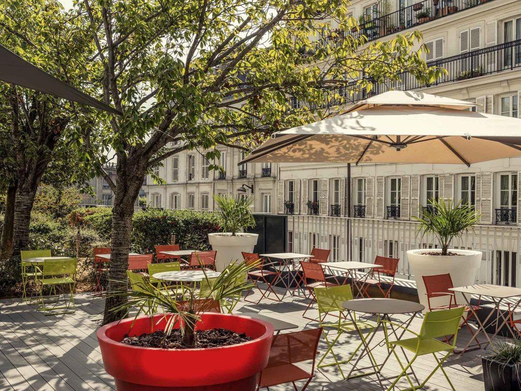 Pétanque rosé Pastis Paris Montmartre terrasse Hôtel
