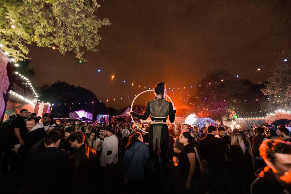 Madame Loyal Festival electro Fête foraine