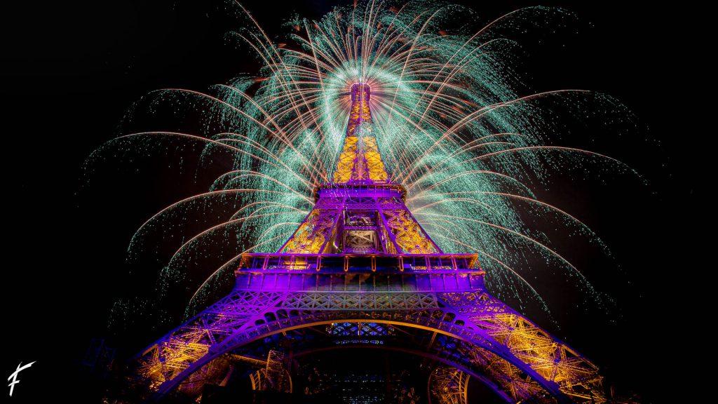 Feu d'artifice 14 juillet 2021 Paris Tour Eiffel