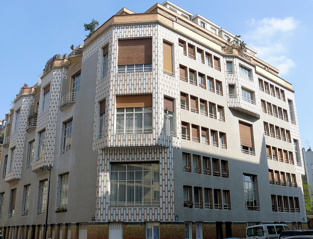 Paris_16_-_Studio_Building_-_65_rue_Jean_de_La_Fontaine_-1