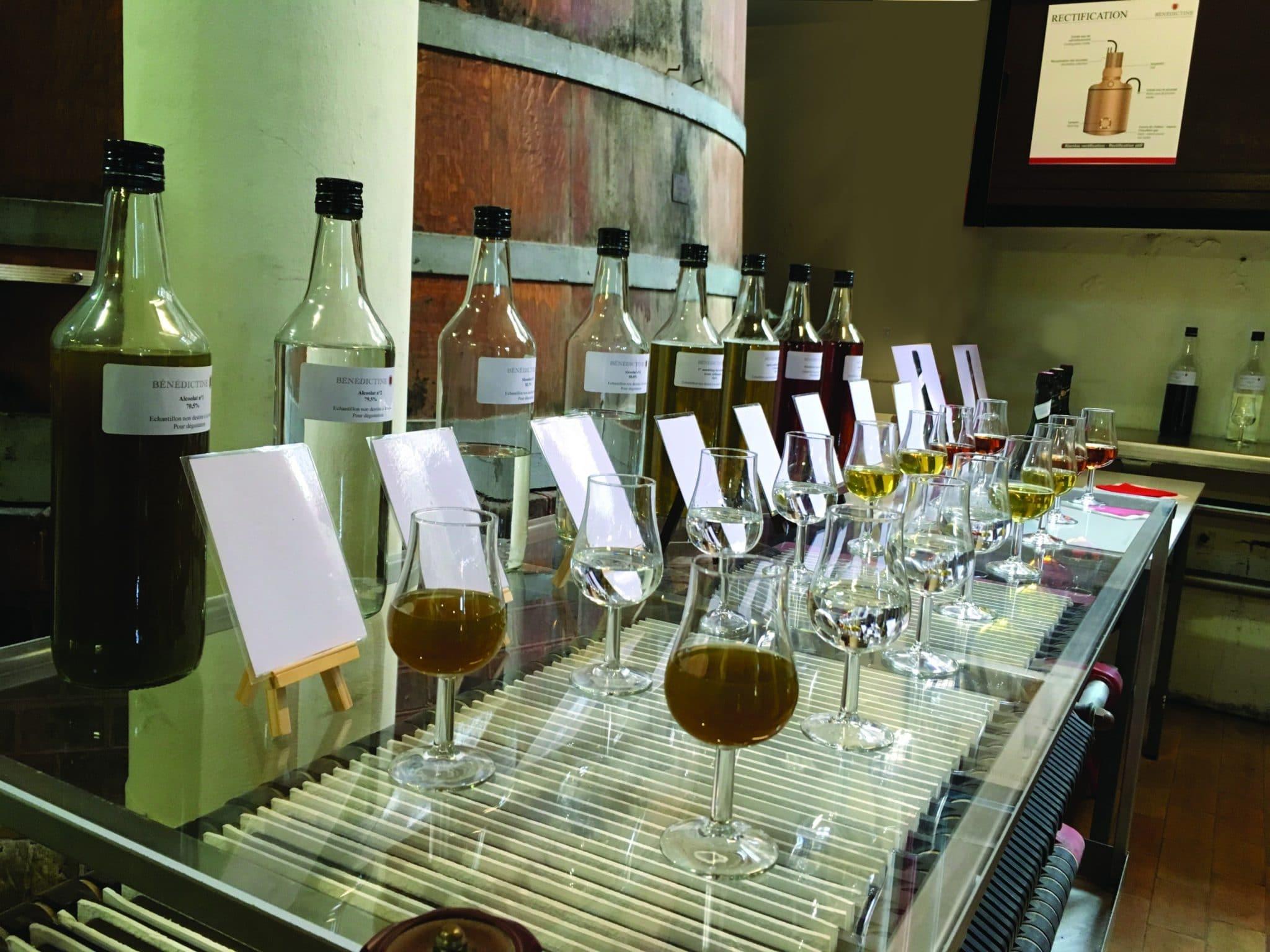 palais bénédictine visite dégustation atelier mixologie paris alcool digestif distillation atelier cocktails mixologie
