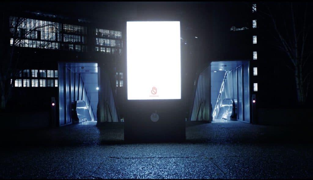 Nuit sans Peur HandsAway Panneaux lumineux sécuriser rues Paris nuit