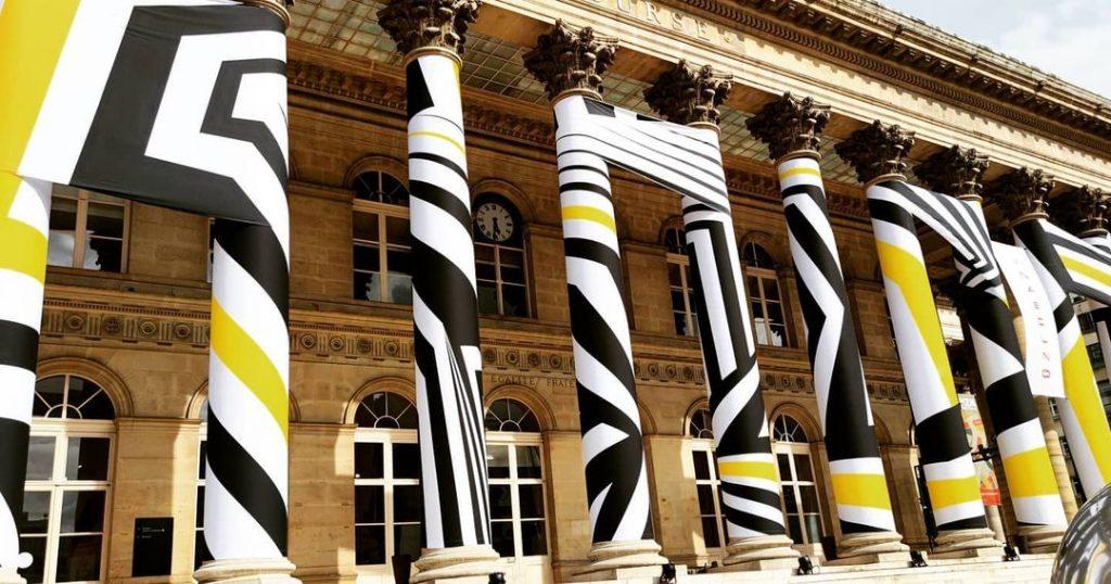 Street Packing Palais Brongniart street art