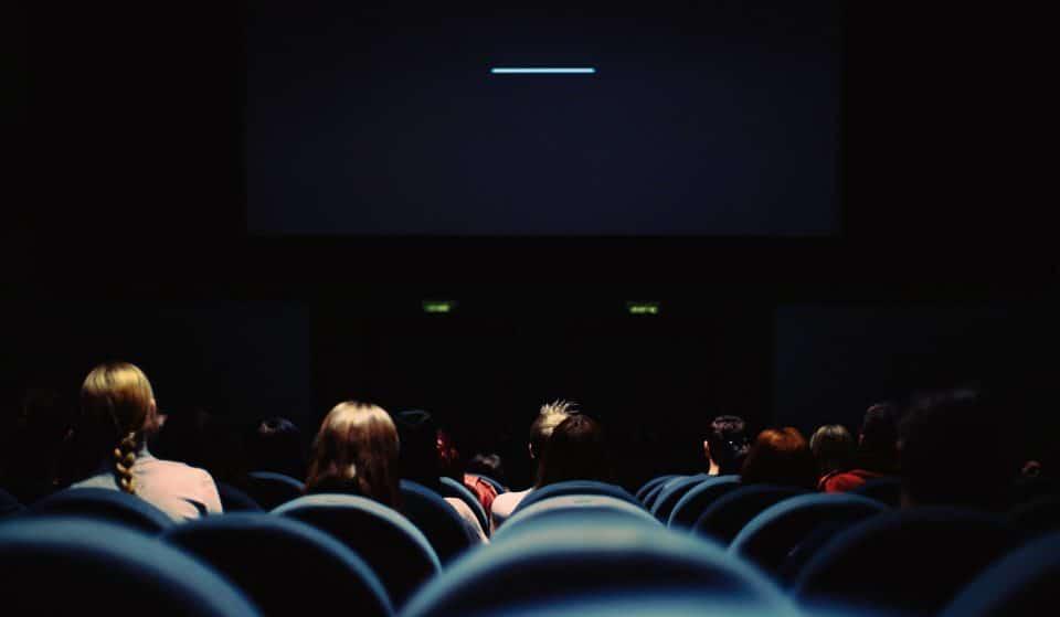 Des places de cinéma gratuites pour les jeunes femmes des quartiers prioritaires parisiens !