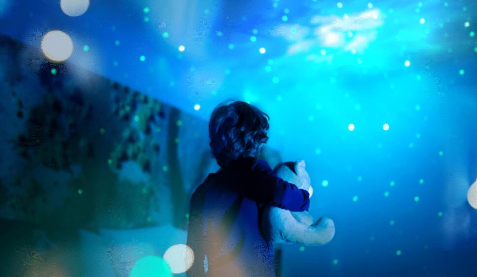 Insolite : cet été, de fabuleuses projections d'étoiles dans des chambres d'Hôtel pour s'évader…
