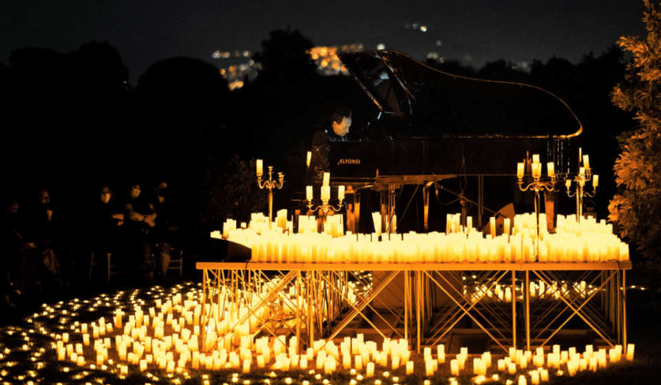Candlelight illumine les plus beaux morceaux de Yann Tiersen au piano en plein air !