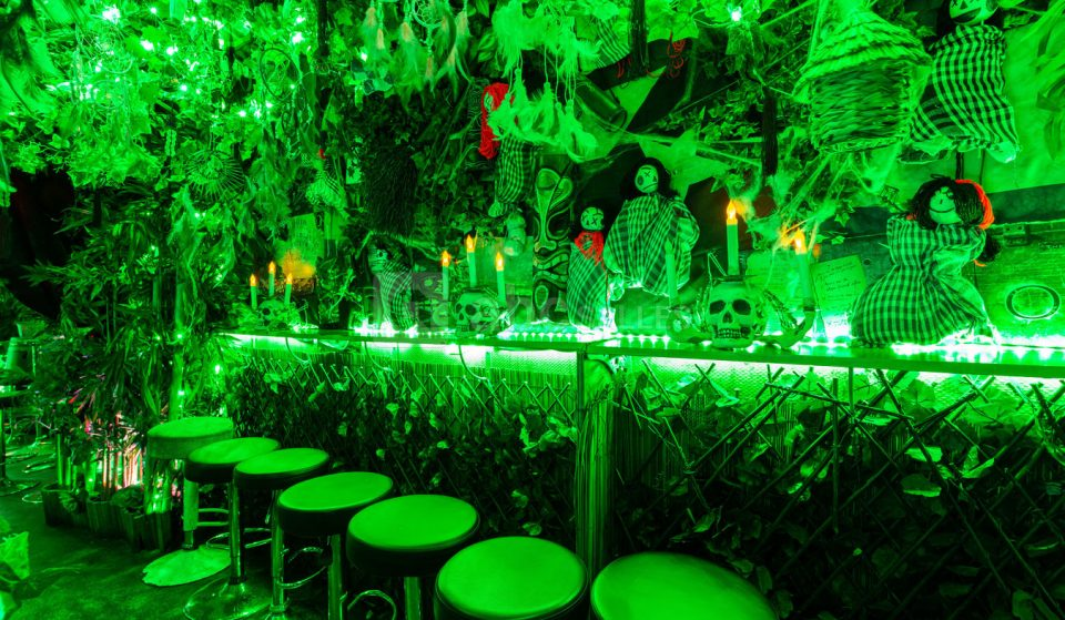À Paris, ce bar insolite vous propulse dans une jungle en Amazonie !