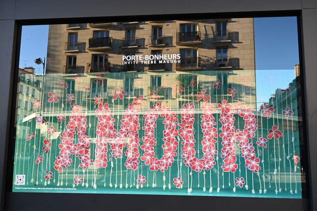 Porte-Bonheurs exposition 20 000 fleurs Bon Marché Rive Gauche Paris