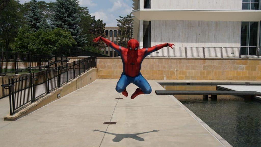 spiderman paris choisy le roi insolite custome héros