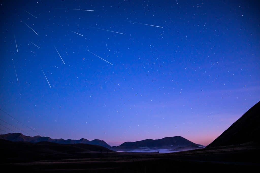 perséides étoile filante pluie espace
