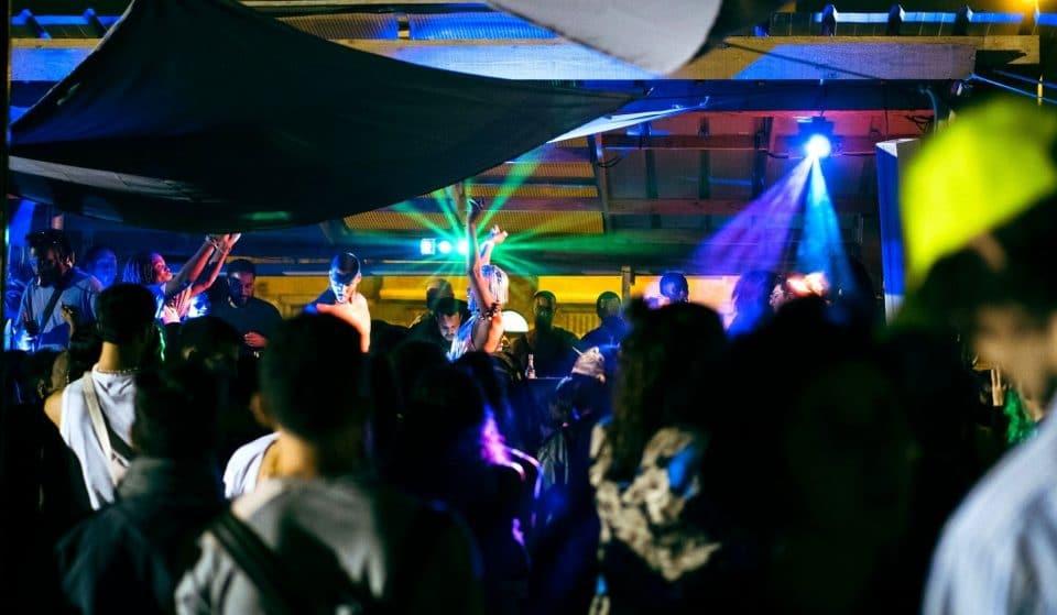 Des DJ sets, concerts et food trucks en plein air au sein de la friche éphémère musicale Pampa pour fêter la rentrée !