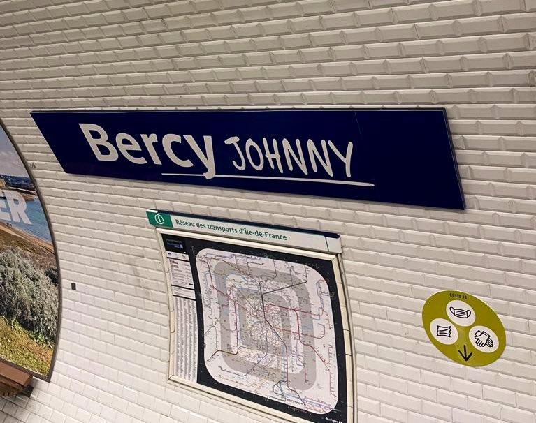 RATP station de métro Bercy Johnny Paris hommage Johnny Hallyday