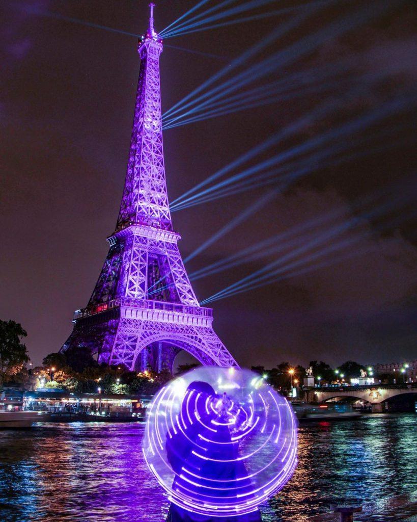 Octobre rose 2021 plus belles images Tour Eiffel Rose défilé Ruban Rose
