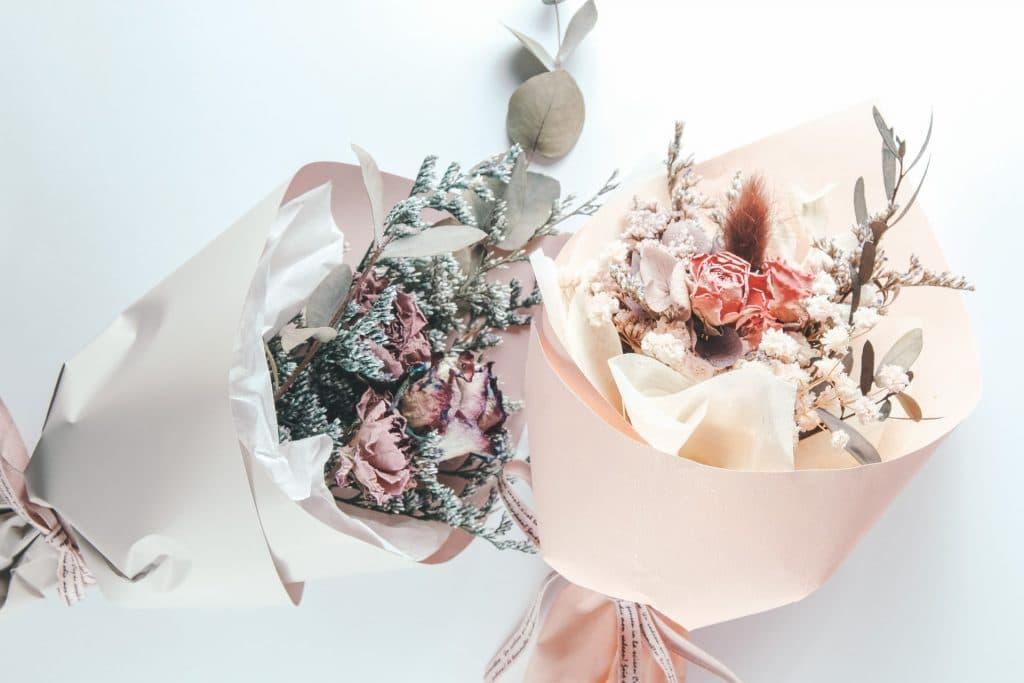 fleurs gratuites chloé paris parfum du pain et des roses