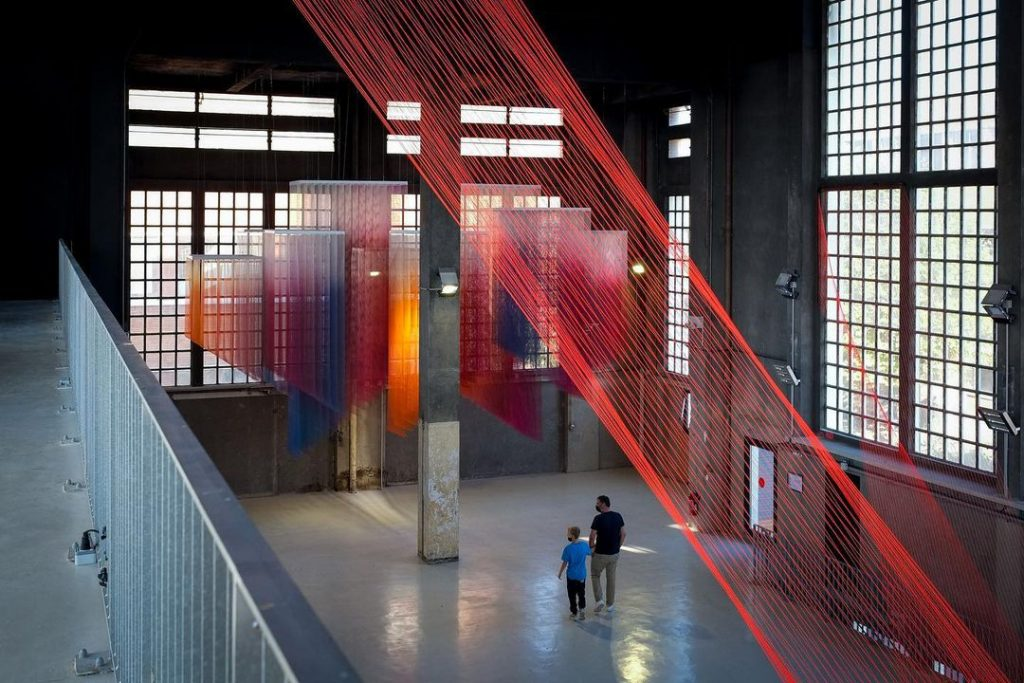 Exposition Metamorphosis 1200 m2 fresques monumentales La Chaufferie Quai 36