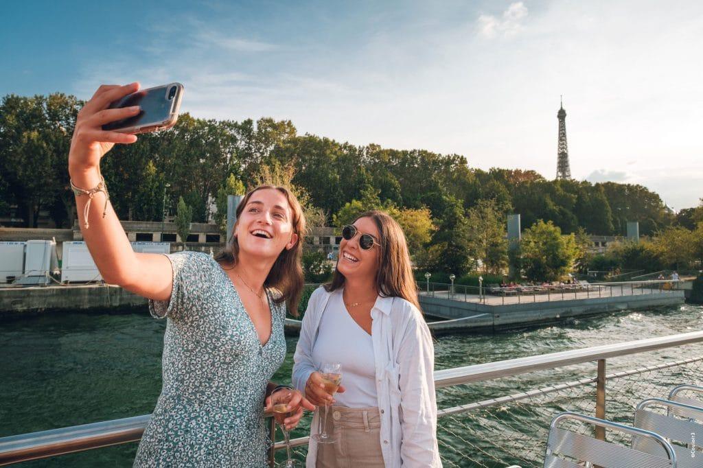 Les vedettes croisière sur Seine Paris