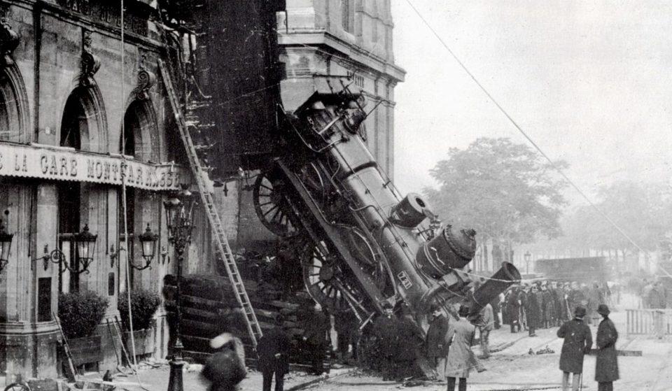 Connaissez-vous l'histoire du jour où un train est sorti de la façade de la gare Montparnasse en 1895 ?